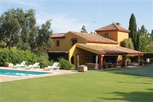 Sotogrande villa in Zone A