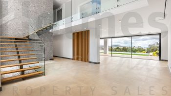 Spectacular modern style villa