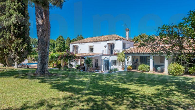 splendid traditional style villa sotogrande